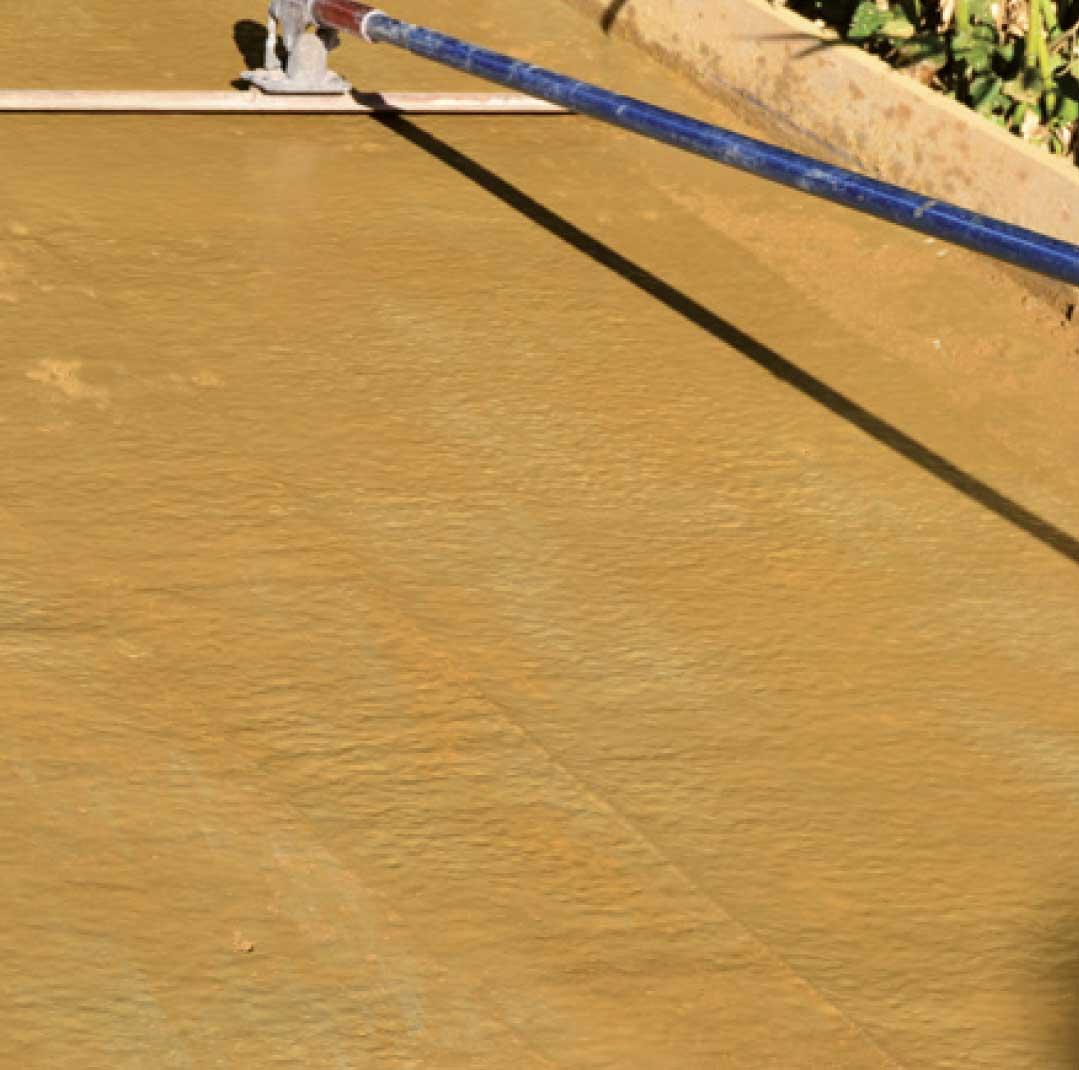 Application et lissage du quartz ( couleur primaire) - Application de l'agent de démoulage (couleur secondaire)